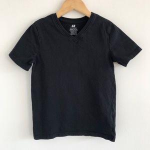 Boys' H&M Basic Black V-Neck T-Shirt Size 6-8y